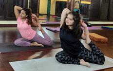 eka pada rajakapotasana yoga pose ladies